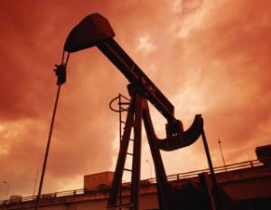 puitpetrole 300x233 Le lobby pétrolier carbure pour sauver son influence